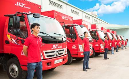 jt-express-cam-ket-chat-luong-cua-bo-ba-dich-vu-giao-hang-405.html